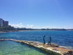 swimming-activity-manly-BOARDRIDER-BACKPACKER-WORKING-HOSTEL-CHEAP-ACCOMMODATION-COUPLE-ROOM-MANLY