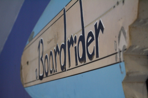 your-home-1-boardrider-wooden-sign-BOARDRIDER-BACKPACKER-WORKING-HOSTEL-CHEAP-ACCOMMODATION-COUPLE-ROOM-MANLY