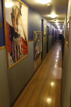 your-home-11-corridor-rooms-BOARDRIDER-BACKPACKER-WORKING-HOSTEL-CHEAP-ACCOMMODATION-COUPLE-ROOM-MANLY