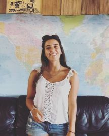 English-Lessons-Cande-BOARDRIDER-BACKPACKER-WORKING-HOSTEL-CHEAP-ACCOMMODATION-COUPLE-ROOM-MANLY-NSW